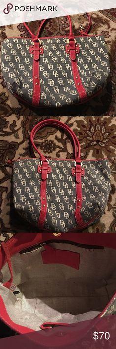Dooney & Bourke Purse This is a great dooney Bourke handbag. It is pre owned no noticeable stains or wear. Enjoy Dooney & Bourke Bags Shoulder Bags