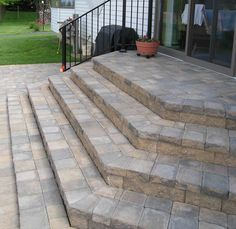 Slate patio steps front porches 50 Ideas for 2019 Patio Stairs, Front Stairs, Outdoor Stairs, Slate Patio, Concrete Patio, Cobblestone Patio, Brick Steps, Front Steps Stone, Concrete Front Steps