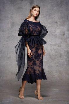 So beautiful – Moda-Creative thinking Trend Fashion, Fashion Moda, Look Fashion, Fashion Show, Womens Fashion, Fashion Design, Fashion Black, Fashion Fall, Diy Fashion