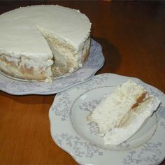 Serves 8 Slimming World: FREE on Extra Easy Ingredients fat free fromage frais quark Splenda 4 over-ripe bananas, roasted in their skins [. Slimming World Deserts, Slimming World Recipes, Slimming World Cheesecake, Banana Cheesecake, Processed Sugar, Eating Eggs, Coffee Benefits, Low Fat Diets, Baking Tins