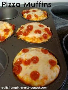 """Cupcake Pizzas-better than pizza bites! Pillsbury Refrigerated Pizza Dough Pizza Sauce Shredded Cheese Pepperoni Cupcake Tin (I used a muffin tin so the pizzas were bigger) """"Burnt them a bit but still delicious! Totally making this again! Think Food, I Love Food, Good Food, Yummy Food, Yummy Lunch, Tasty, Fun Food, Delicious Recipes, Pizza Bites"""