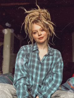 Dreads Rugs: The Classic Choice It is h Dreads Styles, Dreadlock Styles, Curly Hair Styles, Hippie Dreads, Dreadlock Hairstyles, Messy Hairstyles, Pretty Hairstyles, Blonde Dreads, White Girl Dreads