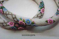 Bead neckles