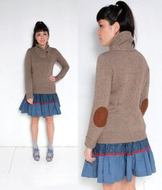 sm. med. taupe wool sweater with elbow patches . heritage 1981