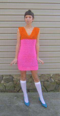 Neon crochet dress bright hot pink and hot orange par LindaDiLeva, $65.00