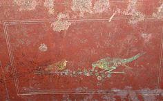 A fresco depicting birds on the walls