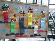 Clown with accordion body idea Clown Crafts, Circus Crafts, Carnival Crafts, Kids Carnival, Hobbies And Crafts, Diy And Crafts, Crafts For Kids, Arts And Crafts, Paper Crafts