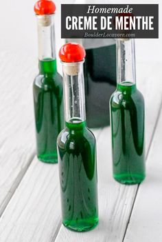 Creme de Menthe is a classic green peppermint liqueur. You can make it at home w… Creme de Menthe is a classic green peppermint liqueur. You can make it at home with a few. Homemade Liqueur Recipes, Homemade Alcohol, Homemade Liquor, Homemade Kahlua, Fun Cocktails, Cocktail Drinks, Fun Drinks, Alcoholic Drinks, Beverages