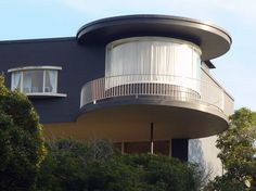 galinsky description, photographs and visiting information for the Russell House, San Francisco by Erich Mendelsohn Box Architecture, Beautiful Architecture, Erich Mendelsohn, Terrazzo, Russell House, Round Building, Unique Buildings, Art Deco Home, Unusual Homes