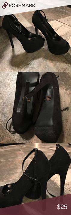 Black stilletto Size 71/2 black breckelle stilloettes with removable straps, great condition Breckelles Shoes Heels