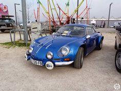 #Alpine #A110 vue sur le parking collection de l'Avignon Motor Festival.  Reportage complet : http://newsdanciennes.com/2015/03/23/grand-format-a-lavignon-motor-festival/    #ClassicCar
