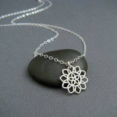silver flower necklace. small silver necklace. by limegreenmodern