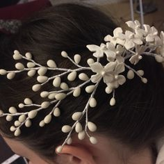 Headpiece Wedding, Bridal Headpieces, Hair Jewelry, Jewellery, Alternative Wedding, Headdress, Shoulder Pads, Bridal Accessories, White Flowers
