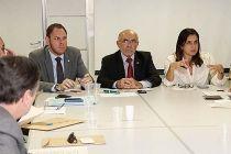 Governo pede mais prazo para Asa Sul se adequar à Lei dos Puxadinhos - http://noticiasembrasilia.com.br/noticias-distrito-federal-cidade-brasilia/2015/04/17/governo-pede-mais-prazo-para-asa-sul-se-adequar-a-lei-dos-puxadinhos/