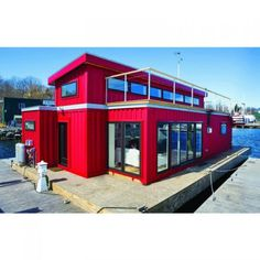 WHITE'S SHIPPING CONTAINER HOUSEBOAT