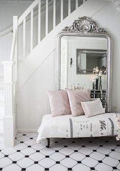 Nydelig speil - Ariel
