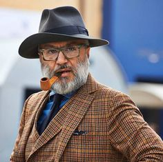Mad Men Barbershop, suitsupply: Add a little flair and personality. Old Man Fashion, Mens Fashion Blog, Men's Fashion, Nick Wooster, Der Gentleman, Gentleman Style, Dandy Style, Grey Beards, Mode Chic