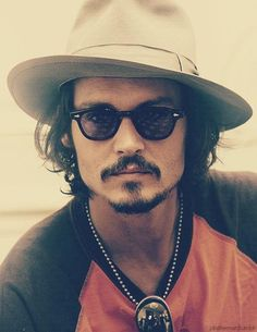 Not into hipster looks, but Johnny is hot so can just look past the hat!