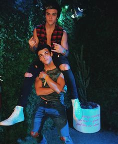 Grayson & Ethan Dolan Meet Up With Jake Paul at Coachella | coachella, Dolan Twins, Ethan Dolan, Grayson Dolan, Jake Paul, Josh Hutcherson, Lucky Blue Smith, Tyler Posey | Just Jared Jr.