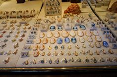 Guide to Florence's Top 17 Souvenirs - Souvenir FinderCameos are delicately carved shells, crafted into jewelry. Cameos have a long tradition in Italy, so you'll find many versions to choose from– check the area on and around Ponte Vecchio. Florence Shopping, Shopping In Italy, Italy Vacation, Shopping Travel, Naples Italy, Sicily Italy, Tuscany Italy, Venice Italy, Souvenirs From Italy
