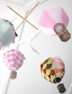 Giostrina con mongolfiere di stoffa - Fabric hot-air balloon cot mobile