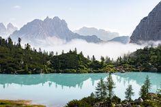 Le lago di Sorapis : la plus belle randonnée des Dolomites Desert Road, Road Trip, Pyrenees, Italy Travel, Italy Trip, The Good Place, Photos, Europe, Mountains