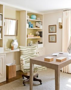 shabby chic desk beach style home office Shabby Chic Desk, Shabby Chic Kitchen, Shabby Chic Homes, Home Office Furniture, Home Office Decor, Office Nook, Office Suite, Desk Office, Furniture Ideas