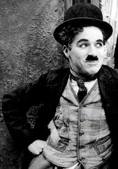 CHARLIE  CHAPLIN  FILMS   KEKEN  WE  NAAR  IN  HET  CLUBHUIS   VAN   DE  SPEELTUIN   VOOR  10  CENT