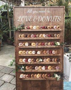 wedding food 25 Wedding Donuts - a fun alternative wedding dessert Ideas - Donut wall Rustic Wedding Desserts, Diy Wedding Favors, Craft Wedding, Diy Wedding Bar, Pizza Wedding, Wedding Gifts, Handmade Wedding, Wedding Makeup, Fall Wedding
