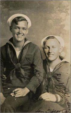 Vintage Sailor, Vintage Love, Vintage Images, Vintage Men, Vintage Nautical, Photos Du, Old Photos, Vintage Couples, Men In Uniform