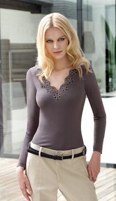 Uno de los modelos de camisetas de Janira que seguro le van a gustar www.facebook.com/castillomendia.