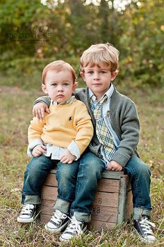 Children poses photography photographing kids tips 31 ideas Brother Pictures, Boy Pictures, Boy Photos, Cute Photos, Family Photos, Family Portraits, Sibling Photography, Toddler Boy Photography, Photography Ideas