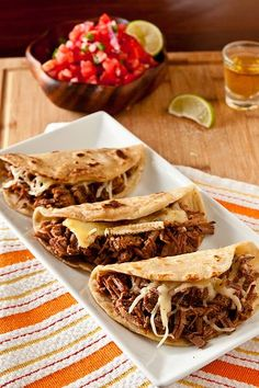 Brie & Brisket Quesadillas/Tacos with Mango Barbecue Sauce. I want to try this minus the cheese. Brisket tacos with mango barbecue sauce. Think Food, I Love Food, Good Food, Yummy Food, Tasty, Healthy Food, Dessert Healthy, Brisket Tacos, Brisket Rub