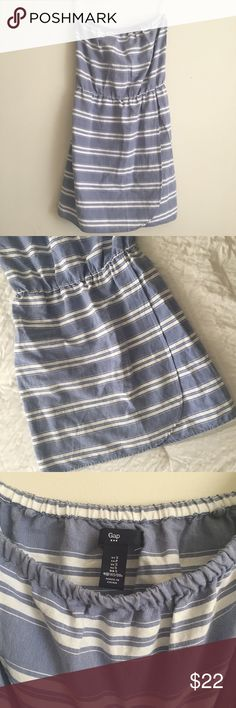 Gap Strapless Striped Dress This is so cute and perfect for the summer! Blue and white stripes. Stretch up top and at waistband. 28.5 inches in length. Top hem measured across is 13 inches. GAP Dresses Strapless