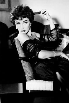 Elizabeth Taylor on the set of The Girl Who Had Everything, 1953.