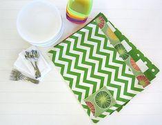 Jogo americano de tecido com porta-talheres é lindo e fácil de ser feito (Foto: develop.sew4home.com:8085)