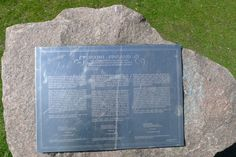 Sri Chinmoy Peace Blossom, muistolaatta, 1998 - Hesperian puisto/Töölönlahti