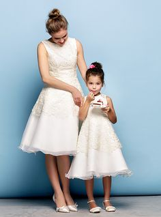 TS Couture Cocktail Party Dress - Ivory Plus Sizes / Petite A-line Jewel Knee-length Lace / Organza Cheap Flower Girl Dresses, Flower Girls, Dresses For Less, Formal Dresses For Women, Evening Dresses Plus Size, Formal Evening Dresses, Tulle Dress, Lace Dress, Ball Dresses