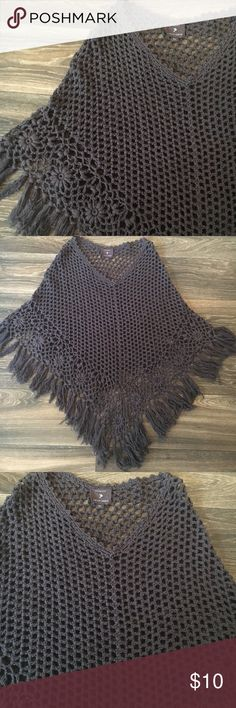 Forever 21 Poncho Gray Forever 21 Knitted Poncho. One size. Forever 21 Sweaters Shrugs & Ponchos