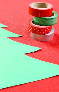 Washi Tape Christmas Tree Craft for Kids....easy no-mess Christmas craft that's great for fine motor practice too