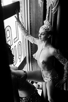 Showgirls photographed by Peter Basch, 1963 via vintagegal