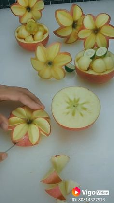 Easy Food Art, Food Art For Kids, Creative Food Art, Diy Food, Fruit Decorations, Food Decoration, Vegetable Decoration, Food Sculpture, Fruit Sculptures
