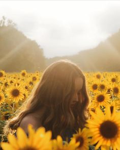 - holy shit - 12 Photos That Prove Maryland's Massive Sunflower Field is Inst Aesthetic Photo, Aesthetic Pictures, Sunflower Field Pictures, Pictures With Sunflowers, Sunflower Pics, Sunflower Field Photography, Travel Picture, Sunflower Fields, Nature Photography