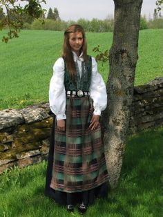 "The Norwegian ""BUNAD"" thread. Club International, Norway Travel, Medieval Dress, Traditional Dresses, Scandinavian, Costumes, Clothing, Beauty, Fashion"