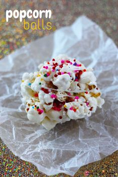A fun and easy party food for kids - popcorn balls take less than 5 minutes to make, and are easy enough to be a kids' kitchen project. Popcorn balls are a fun lunch box idea for birthday lunches.