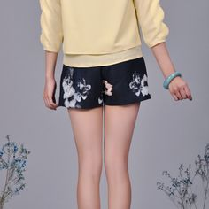 Floral Printed Tiered Shorts.