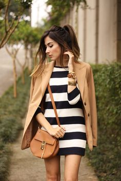 FashionCoolture - 02.10.2015 look du jour Amaro striped dress camel blazer gladiator sandals (2)