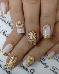 Mais de 90 Ideias para a sua Unha Decorada do Ano Novo! Fancy Nails, Bling Nails, Gold Nails, Glitter Nails, Gold Glitter, Subtle Nail Art, Trendy Nail Art, Latest Nail Art, Hair And Nails