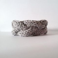 Crochet Knit #Bracelet #Pattern - 10 Easy and Free Crochet Bracelet Patterns   101 Crochet