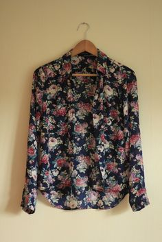 Update your Other clothing and your wardrobe when shopping at Vinted! Save up to on Other clothing and pre-loved clothing to complete your style. New Look Shirts, Love Clothing, Shirt Dress, Blouse, Second Hand Clothes, Your Style, Size 10, Clothes For Women, Floral